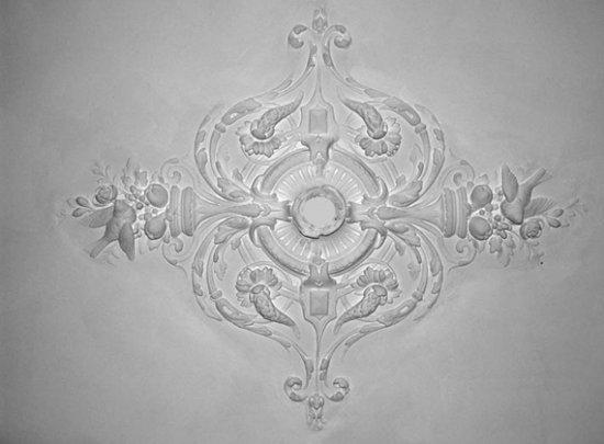 Ornament 24: Franse belle epoque 1880. Klein vogelenrozet