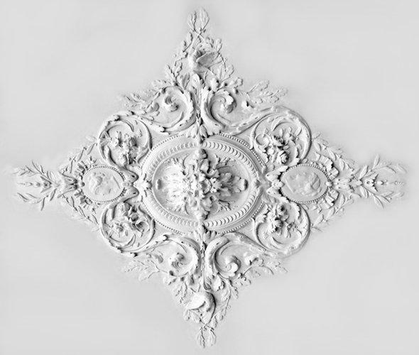 Ornament 6: Franse belle epoque. 1880. Medaillonrozet