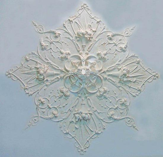 Ornament 9: Hollandse Lodewijk 16e stijl 1850. Silberling. Mandrozet